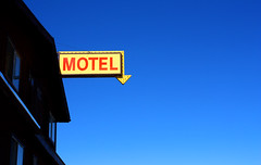 Motel - Eureka, NV (las vegas lass) Tags: sign nevada motel arrow eureka sundownermotel