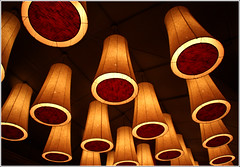 Zabo (Sushi bar) (Jan Ronald Crans) Tags: chile red white lamp sushi chili ceiling lamps santiagodechile sushibar zabo blueribbonwinner barriolastarria plazamulatogildecastro plavont