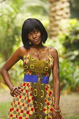 [フリー画像] [人物写真] [女性ポートレイト] [黒人女性] [黒人] [ドレス] [ガーナ人]     [フリー素材]