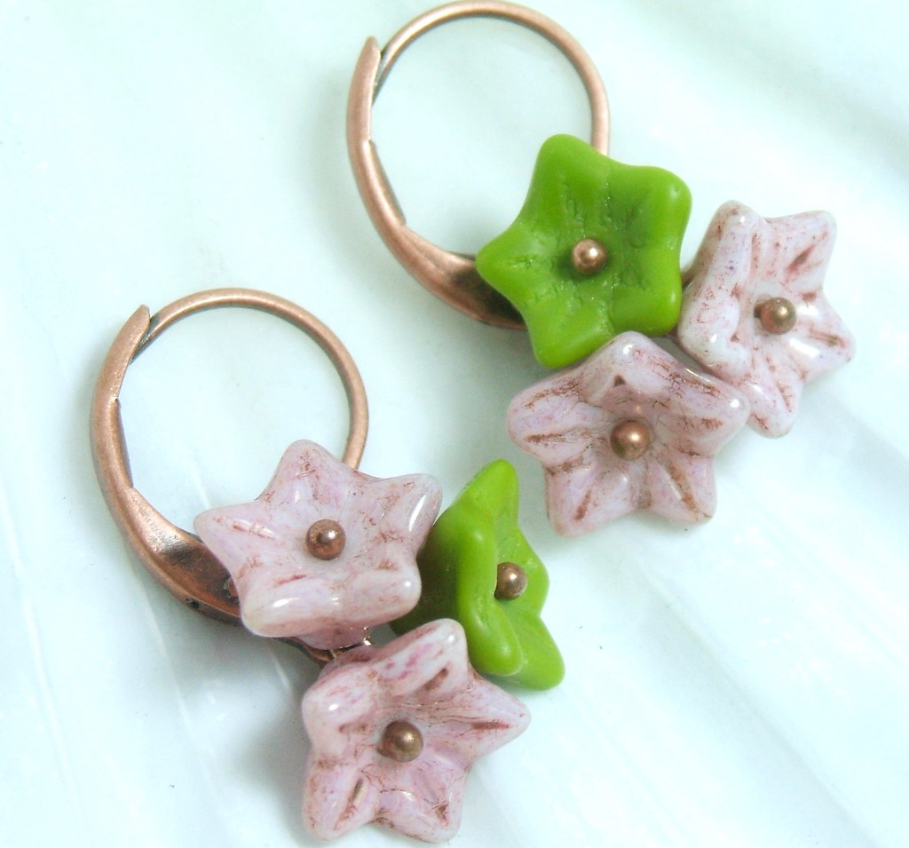 Blushing Wasabi Bouquet Earrings