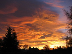 Sonnenaufgang (peaches8338) Tags: sunset sun clouds sunrise heaven sonnenaufgang soe otw spiritofphotography perfectsunrise goldenheartaward artofimages sensationalphoto