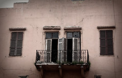 (Um Dwais ♥) Tags: lebanon window canon eos pro beirut yal a7laa imissu inty 450d oldbulding hnaak umdwais notextureadded umdwaisphotography umd3aiiiss