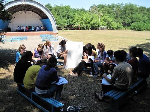 Studierea Englezei în grupe mici la tabăra EFNL