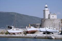 i n    s e c c a (patrizia_ferri) Tags: lighthouse faro boats canal barche bateaux greece grecia canale lefkas lefkada patriziaferri santamaurafort