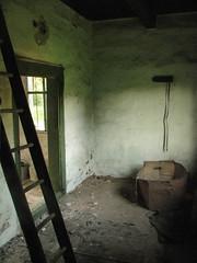 Old cubbyhole (Daccc) Tags: old scale dark nine 99 chamber ladder cubbyhole ninety