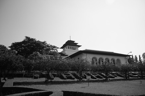 Gedung Sate left view