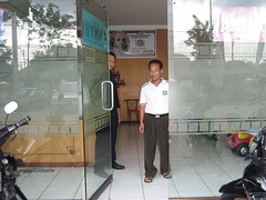 RatriMoneyChanger_3 (ratrimoneychanger) Tags: money indonesia changer exchange rates usd kurs moneychanger 8280 ratri jombang