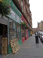 Tiendas pintorescas en Glasgow (Rubn Hoya) Tags: uk scotland colours glasgow united kingdom escocia colores shops gran tiendas reino unido bretaa scotlanda