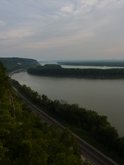 Day ends on the Mississippi (sfgamchick) Tags: statepark sunset river mississippiriver greatriverroad illinoisstatepark mississippipalisades mississippipalisadesstatepark