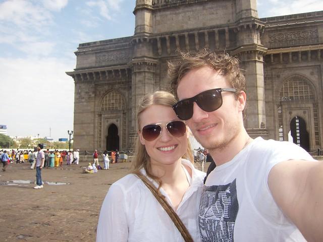 Margrét og ég hjá Gateway to India