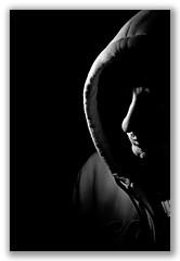 Viendolas venir... (David Bresó) Tags: españa david luz valencia retrato yo hip hop selfportratit capucha sudadera autorretato bresó davidbresó