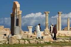 Tourists (sixthland) Tags: roman tourist unesco libya libyan ancientcity sabratha dscr1