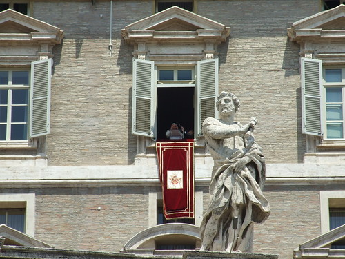 Oración del Ángelus con el Papa Benedicto XVI