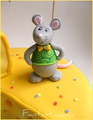 Dettaglio topino verde / Close-up  Green Mouse (Fantasticakes (Ccile)) Tags: mouse mice caketopper sugarmodelling cheesefondantcake