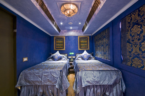 Royal Rajasthan on Wheels, India's new luxury train, deluxe saloon, Sapphire
