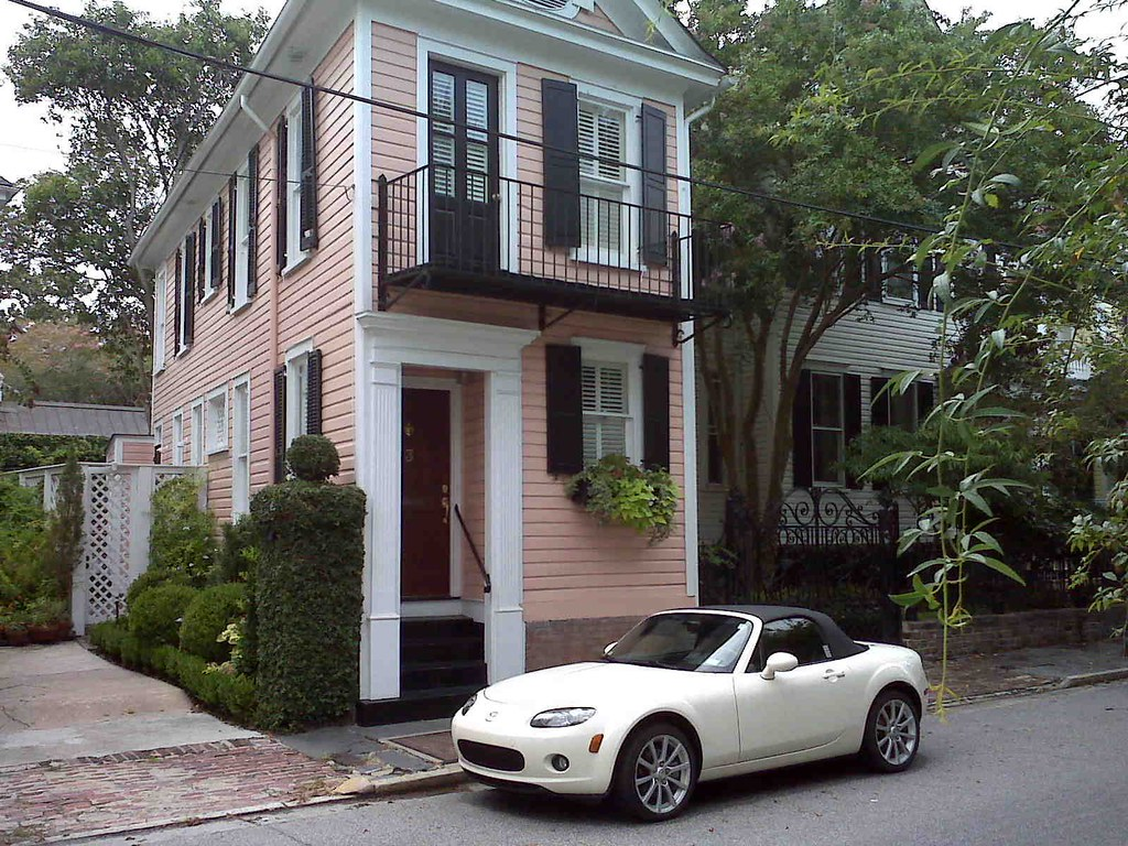 charleston narrow house