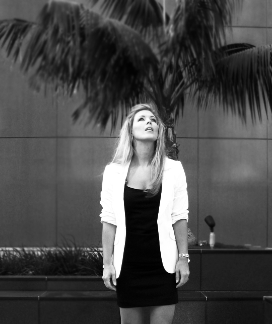 lbd-little-black -dress-white-blazer-8