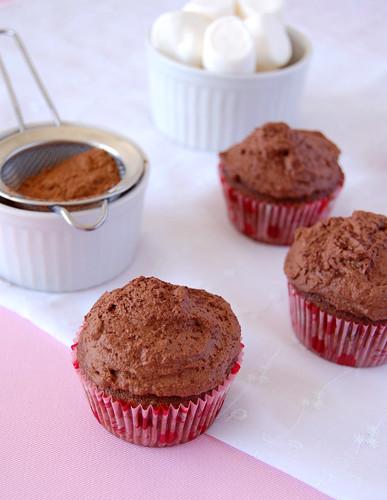 Rocky road cupcakes / Cupcakes de chocolate com marshmallow e Nutella