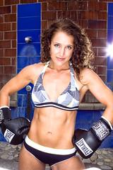 Nicole Fitzhugh (dbodd) Tags: athletic boxing fitness everlast boxinggloves bluelakepark modelmayhem canon50d 580exii pdxstrobist pipsantos pdxstrobist0809 nicolefitzhugh mm1306214 pipography pipnyc