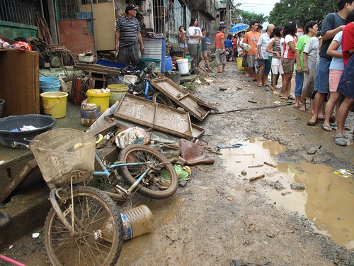 Philippines flooding, Sept. 2009 (for BB, from Audrey N. Carpio of The Philippine Star)