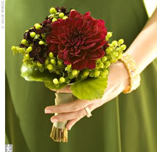 Brides Helping Brides ™ - Single Flower Bouquet pictures | LIWeddings