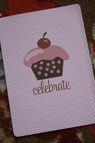 front invitation cupcake