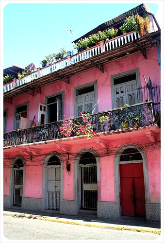 Casco Viejo pink building