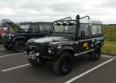 Land Rover Defender 90 (Si 558) Tags: show road park 4x4 rover off land landrover defender donington doningtonpark worldcars