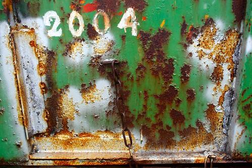 2009 Pâques - Dans un cimetière de Machines agricoles (11)