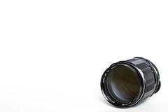 ASAHI PENTAX Super-Multi-Coated TAKUMAR 135mm ƒ/2.5 (M42, 1973) (Christopher Li) Tags: white black japan metal lens asahi pentax takumar m42 minimalism smc f25 135mm supermulticoated 43812 smcpentaxfa43mmf19limited asahioptco asahipentaxsupermulticoatedtakumar135mmf25