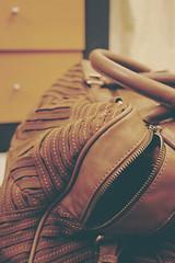 BYE BYE Al QASSEM ;D (F A 6 O M `✿) Tags: color art canon jeddah fofo handbag ksa mng d400 شنطه fa6om