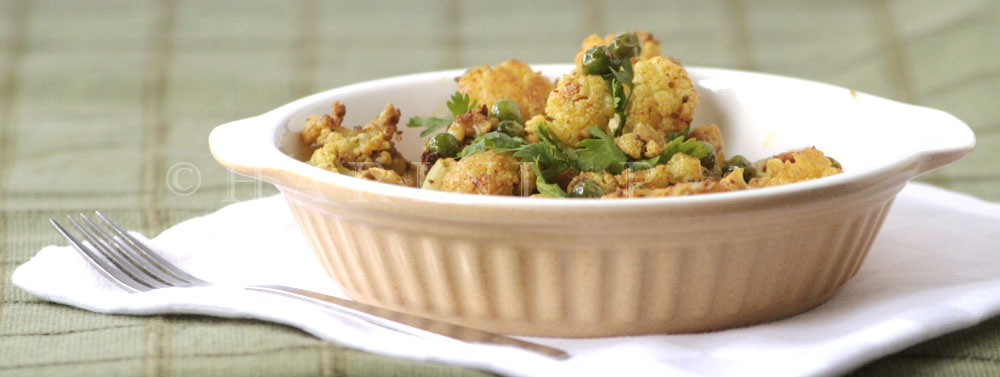 Cauliflower and peas dry roasted curry 2