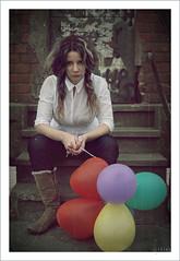 No ser peor de lo que era... (..  ..) Tags: portrait woman selfportrait me self canon ego balloons reflex mujer retrato yo autoretrato feeling globos naturallighting selfego sentimientos luznatural 400d canon400d luduen aboutfeelings