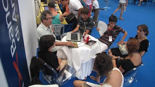 La delegació andorrana a la sala wi-fi