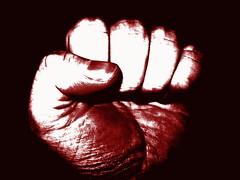 Anglų lietuvių žodynas. Žodis resistance reiškia n 1) priešinimasis; pasipriešinimas; 2) fiz. nelaidumas, varža lietuviškai.