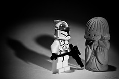 20090909 Talk to each other / to be a good listener (wnd.andreas) Tags: blackandwhite bw white black macro art toy toys star starwars lego space stormtroopers stormtrooper guardianangel sw wars minifig custom schwarzweiss minifigure schutzengel clonetrooper canonef28135mmf3556isusm desperatesituation canon40d