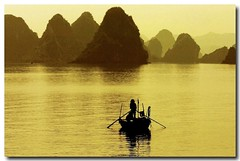 Vietnam (jmboyer) Tags: voyage travel beauty canon landscape photography photo yahoo asia southeastasia flickr picture vietnam viajes lonely asie lonelyplanet monde paysages halong nam halongbay gettyimages reportage nationalgeographic spia travelphotography googleimage go vit photoflickr photosflickr canonfrance earthasia photosyahoo imagesgoogle jmboyer photogo nationalgeographie photosgoogleearth