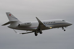 TC-MRK - 193 - Private - Dassault Falcon 2000LX - Luton - 091009 - Steven Gray - IMG_0177