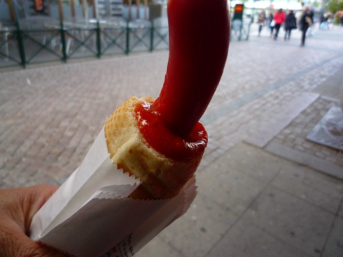 The perfect Swedish hotdog