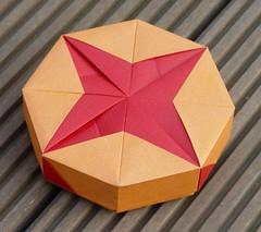 """Achteckschachtel """"Plain Boxes"""" von Tomoko Fuse (Tagfalter) Tags: origami box tomokofuse"""