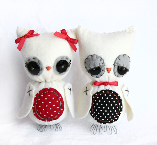 Valentine owl couple by Skunkboy Creatures..