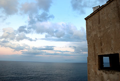 altrove (Felisb) Tags: nikon nuvole mare finestra sicilia capozafferano d80 edificioabbandonato