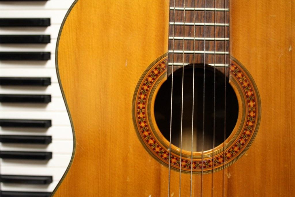 Guitar & Keyboard