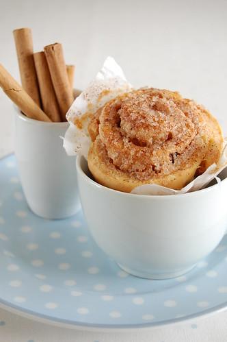 Paper-baked spiced pastries / Rolinhos de especiarias