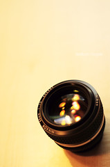 (waldflucht) Tags: reflection table 50mm prime nikon refraction manual nikkor manualfocus tabletop f12 d90 lensreflections 50mm112ais waldflucht