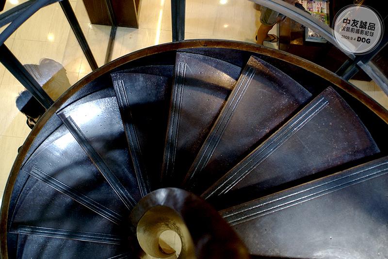 這螺旋梯真的很美