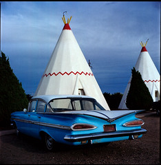 wigwam  holbrook, az  2009 (lem's) Tags: arizona classic chevrolet car route66 automobile motel az 66 route chevy bronica americana teepee roadside holbrook attraction wigwam motherroad zenza carrfranais