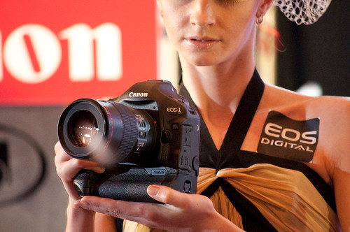 Canon 1D Mark IV in the hands of a female model