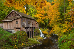 Cedar Creek Grist Mill (Jesse Estes) Tags: color fall searchthebest cedarcreekgristmill canon1635ii jesseestesphotography
