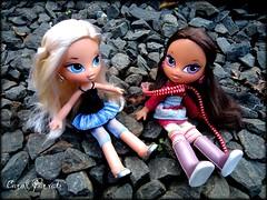 Aleera and Yasmin (Carol Parvati ) Tags: winter vacation movie doll yasmin kidz bratz cloe aleera carolparvati